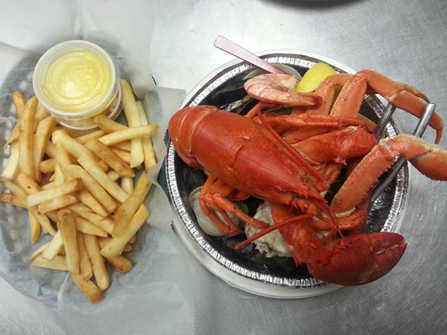J's Crabshack - Lobster, Clams and French Fries